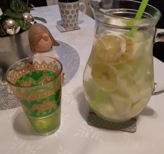 Osvěžující ovocný nápoj