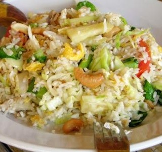 Pečená thajská kuřecí rýže