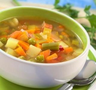 Polévka ze zeleninové směsi