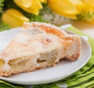 Rebarborový koláč se zakysanou smetanou