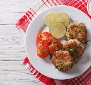 Rybí karbanátky na grilu