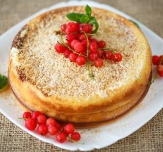 Rychlý hrnkový koláč s tvarohem a jablky