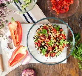 Středomořský cizrnový salát recept