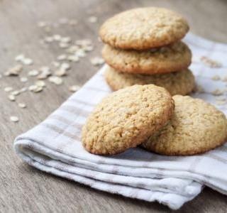 Sušenky s lněným semínkem a se skořicí