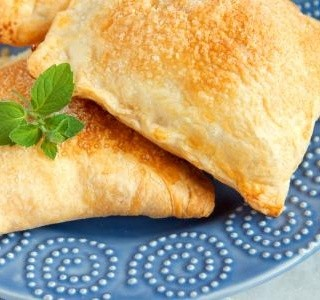 Sýrové taštičky z listového těsta