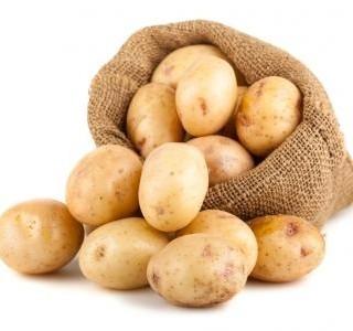 Sýrový salát s vařenými brambory recept
