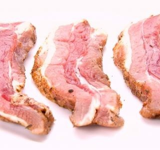 Uzené maso se zelím