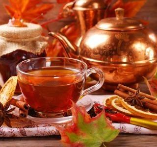 Voňavý švestkový pečený čaj