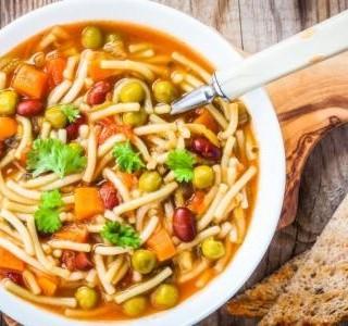Vydatná polévka s těstovinami