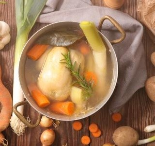 Zadělávaná slepičí polévka recept