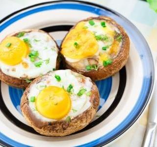 Zapečené houby s vejci recept