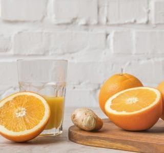 Zázvorový nápoj s pomeranči