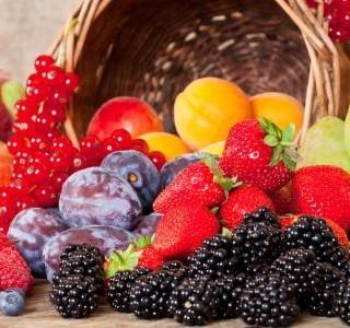Jedna z mnoha radostí léta - letní ovoce
